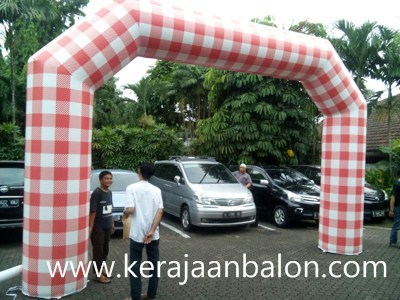 Balon Gate di Solo